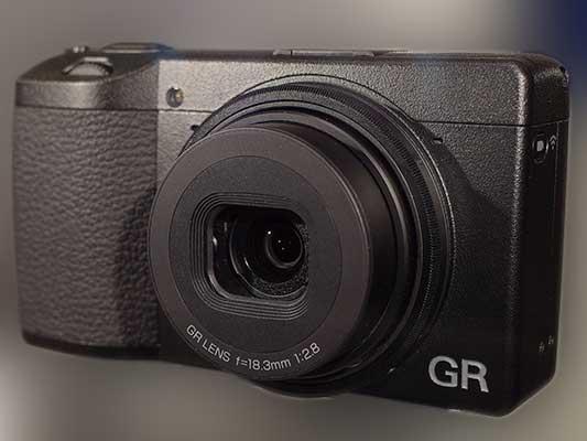 Ricoh GR III - компактный фотоаппарат с 24 МП сенсором