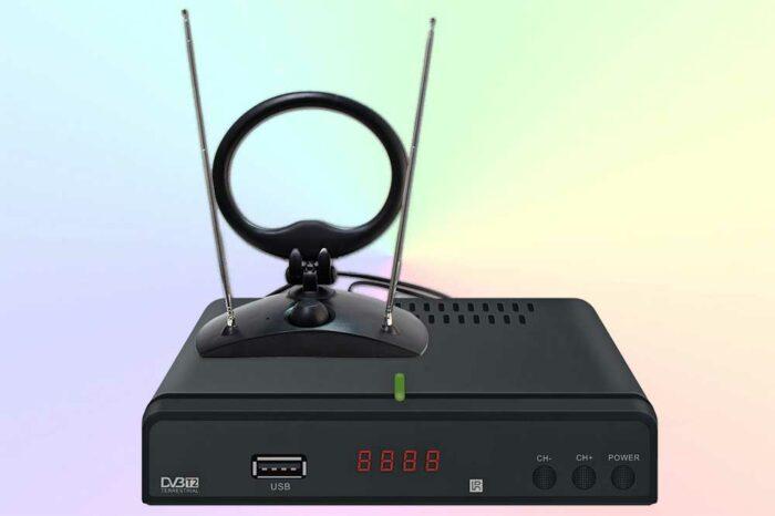 Cadena CDT-1711SB - TV-тюнер с бюджетной ценой